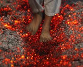 CAMMINARE SUL FUOCO: FIREWALKING